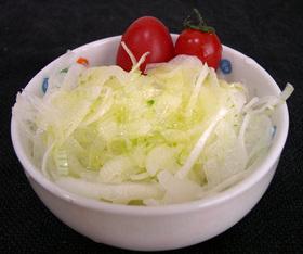 新たまねぎの柚子胡椒ドレッシングサラダ