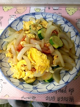 玉葱と卵の炒め物