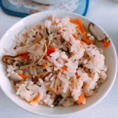 ツナ缶で炊き込みご飯