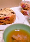 桜が可愛いフルーツケーキ