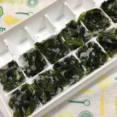 塩蔵わかめを製氷皿に保存で楽してお味噌汁
