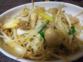 簡単中華・鶏皮とモヤシの葱油炒め