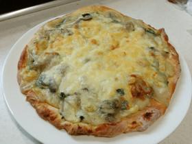 牡蠣とほうれん草のピザ