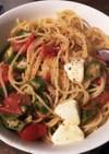 トマトオクラ、モッツァレラチーズのパスタ