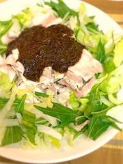 豚しゃぶサラダ☆あかもくソースの写真