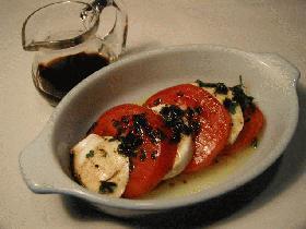 ボッコンチーニとトマトの前菜