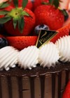 苺いっぱいチョコムースケーキ