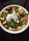 春野菜とポーチドエッグバケットサラダ