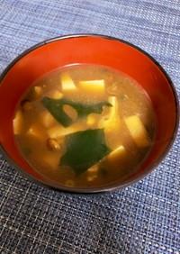 豆腐となめこ汁