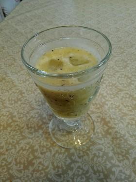 キウイとパイナップルのジュース