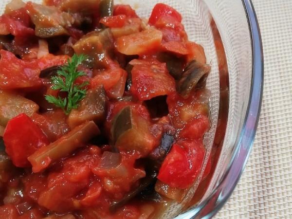 トマト缶を使って♪使えるラタトゥイユ