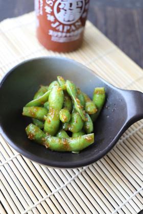 スリラチャのガーリック枝豆ロースト