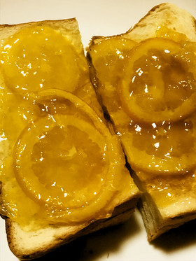 シンプル☆ママレードたっぷりトースト