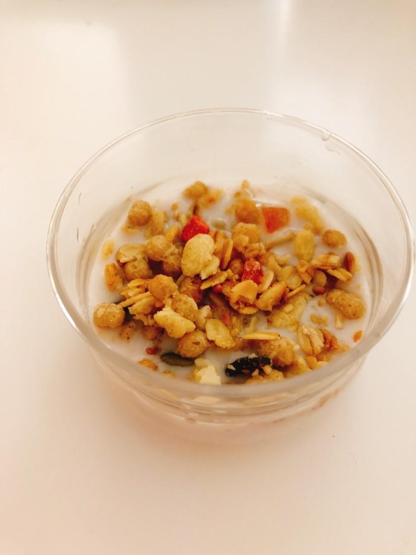 朝食に☆簡単 アーモンドミルクグラノーラ