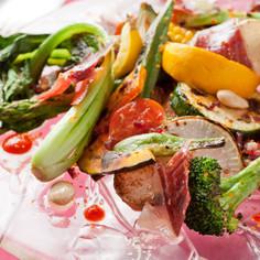 焼き野菜とイベリコ豚生ハムのサラダ