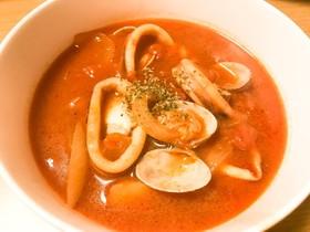魚介たっぷりトマトスープ