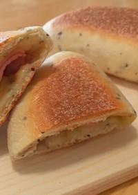 チーズとろとろ バジル パニーニ