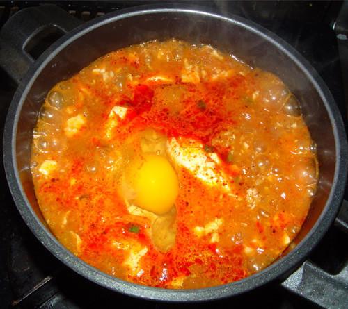 本場の韓国料理スンドゥブチゲ/純豆腐チゲ