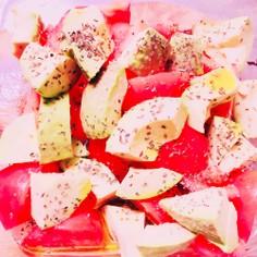 トマトとアボカドのペパーミントサラダ