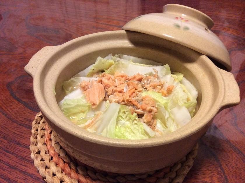 鮭水煮缶と白菜のミルフィーユ鍋