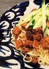 肉みそたっぷりのジャージャー麺