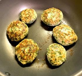 とりひき肉と葉物野菜の超簡単ハンバーグ