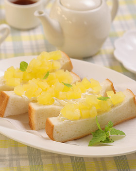 簡単かわいい♡フルーツサンドイッチ