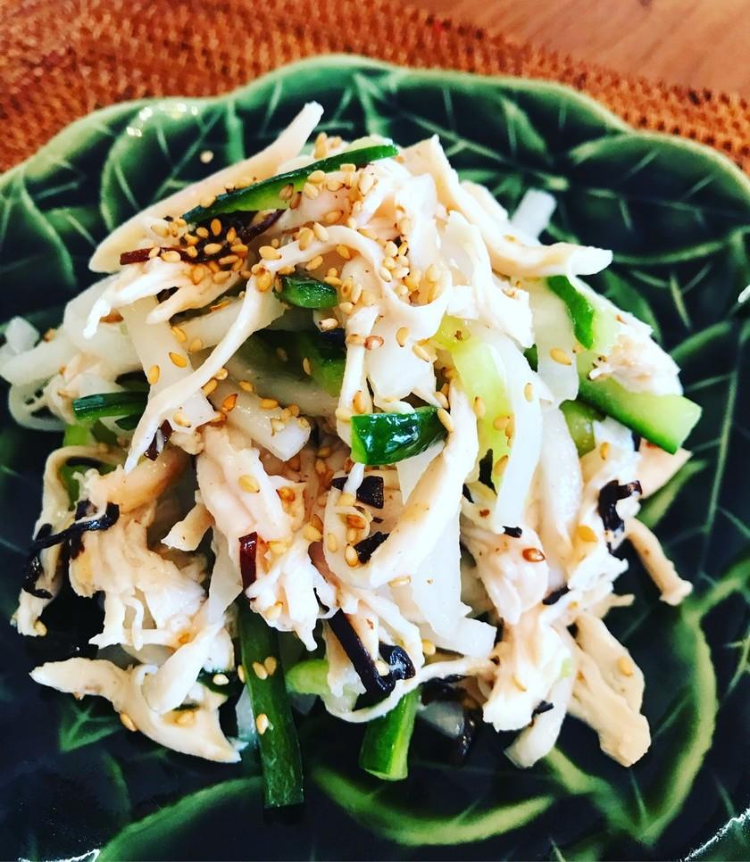 蒸し鶏と胡瓜の塩昆布サラダ