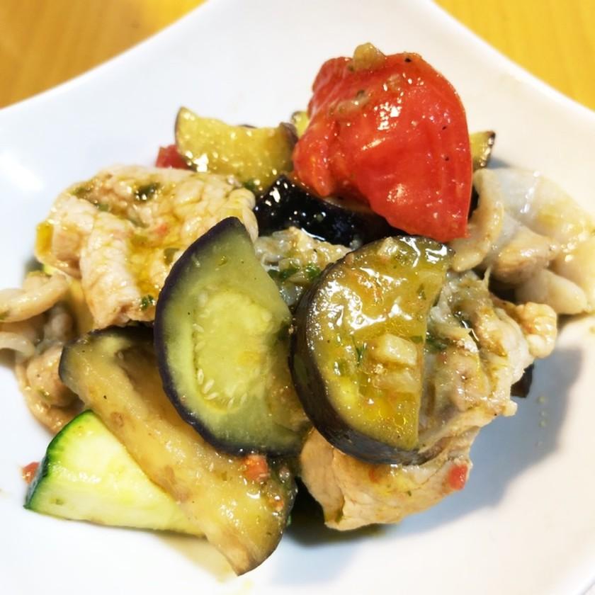 豚肉と夏野菜のバジルソース炒め