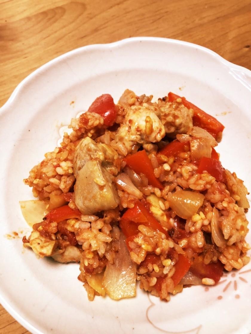鶏とトマト缶で簡単!炊飯器カレーピラフ