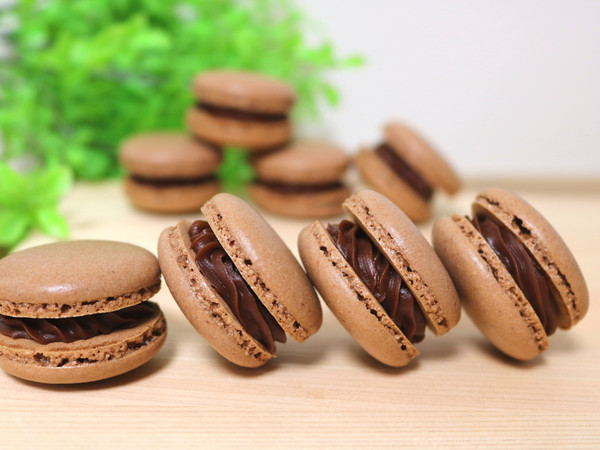 冷蔵庫で乾燥!簡単♪チョコマカロン