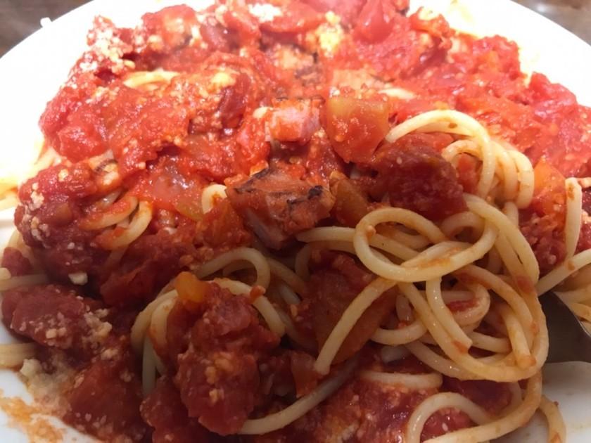 簡単節約!カットトマトとベーコンのパスタ