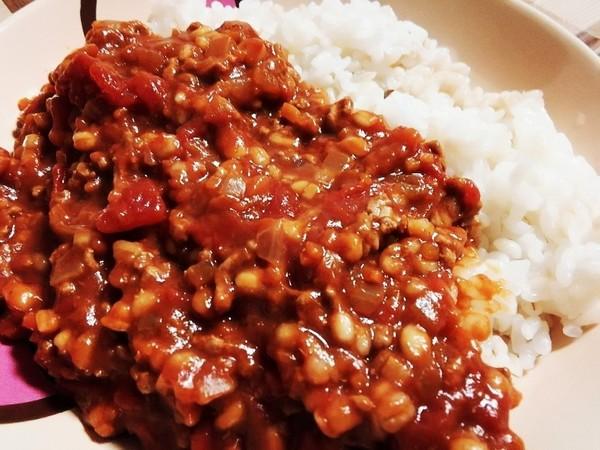 簡単レシピ☆もち麦入りトマトキーマカレー