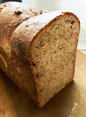 全粒粉80%くるみ食パン香ばしフンワリ