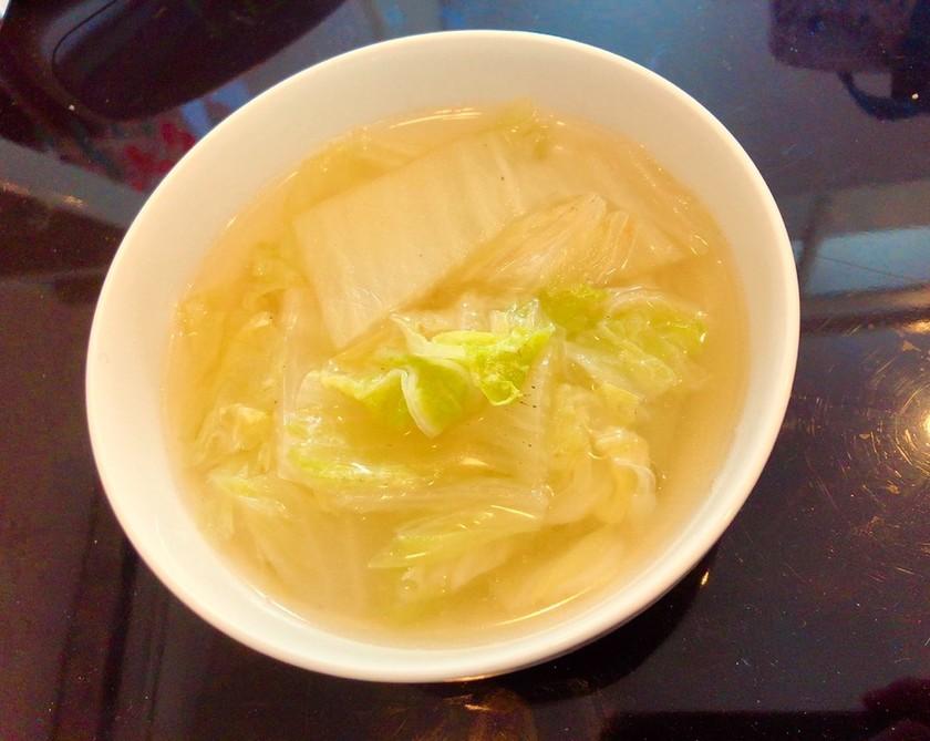 材料3つのヘルシー白菜スープ