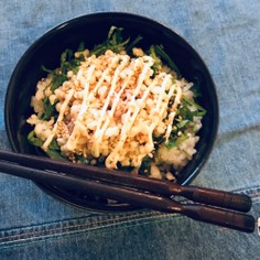☆ひとりめし たぬきなシーチキンマヨ丼
