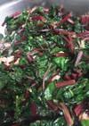 ビーツの葉と茎の炒め物