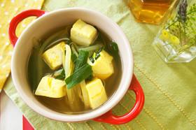 にらともやしのカレースープ