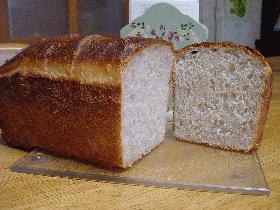 ぶどう酵母ちゃんから作ったパンだよ。