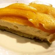 黄桃のレアチーズタルト