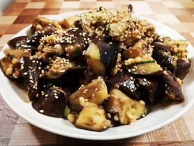 簡単レシピ☆手作り辛肉味噌で麻婆茄子