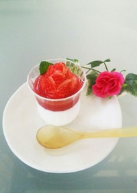 イチゴのバラの飾り切り