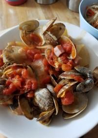 鮭とアサリのトマト煮込み