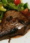 牛肩肉のステーキ☆赤ワインソース