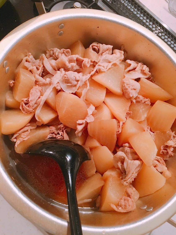 しみしみ大根と豚肉´Ꙫ`の煮物