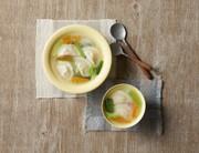 もっちり食感水餃子と春雨のスープの写真