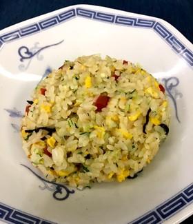 カリカリ梅と塩昆布のあっさり炒飯