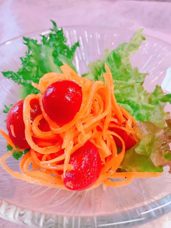 簡単!人参とプチトマトの蜂蜜サラダ