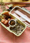 舞茸と豚肉と茹で法蓮草のふんわり卵炒め