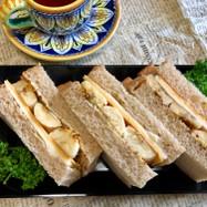 モリモリ!チーズとバナナのサンドイッチ